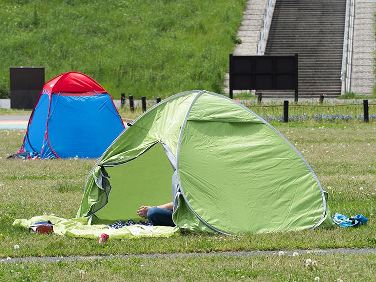 アウトドアだけじゃない!専門家が伝授 災害時のテント活用法